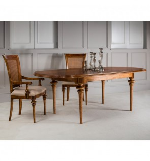 Gallery Spire Oval Extending Dining Table