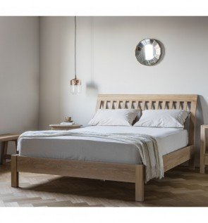 Gallery Marlow Solid Oak 5' Bed