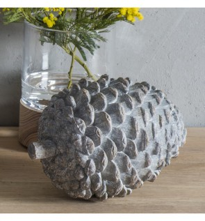 Gallery Pinecone Grey Weathered
